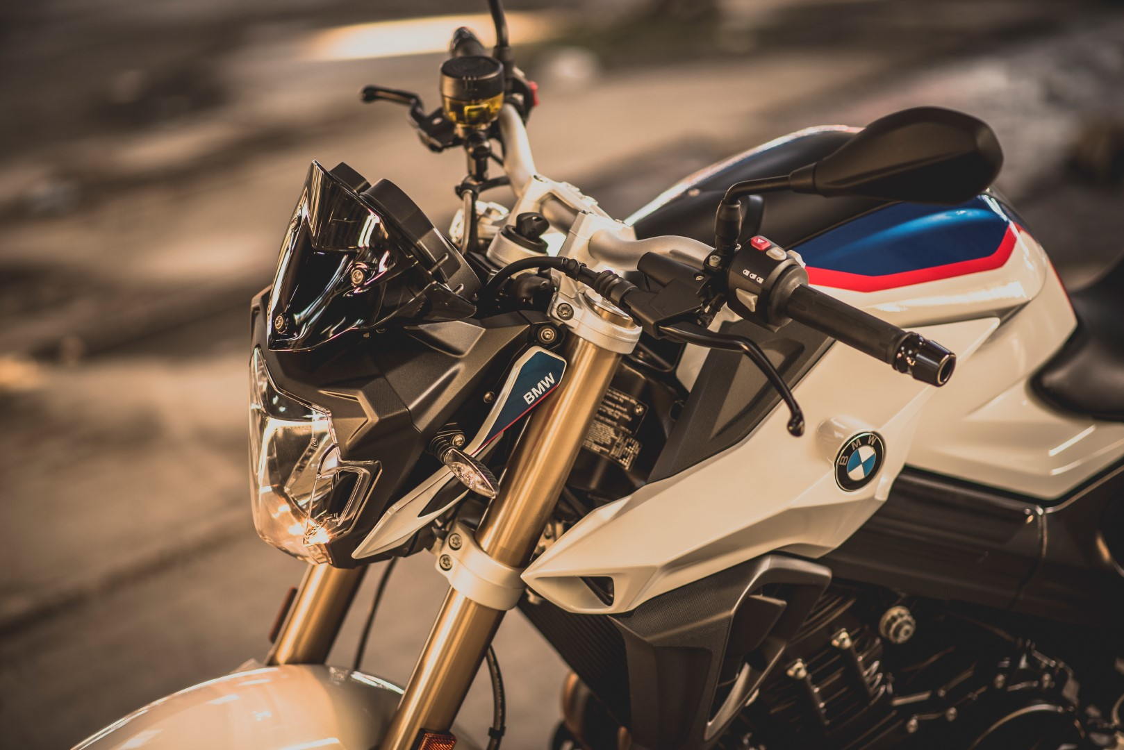 BMW F 800 R Akrapovic. Fotos