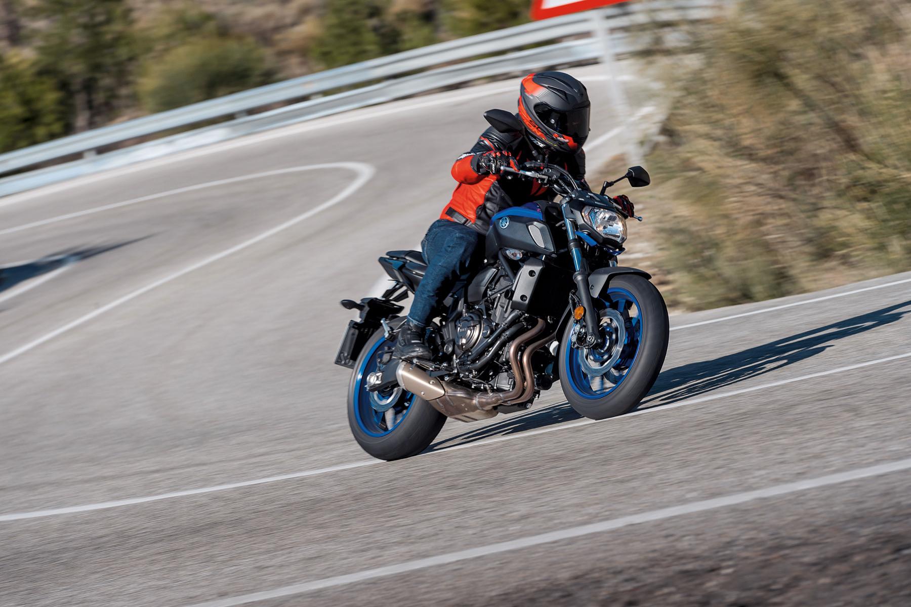 Probamos la Yamaha MT-07 2018