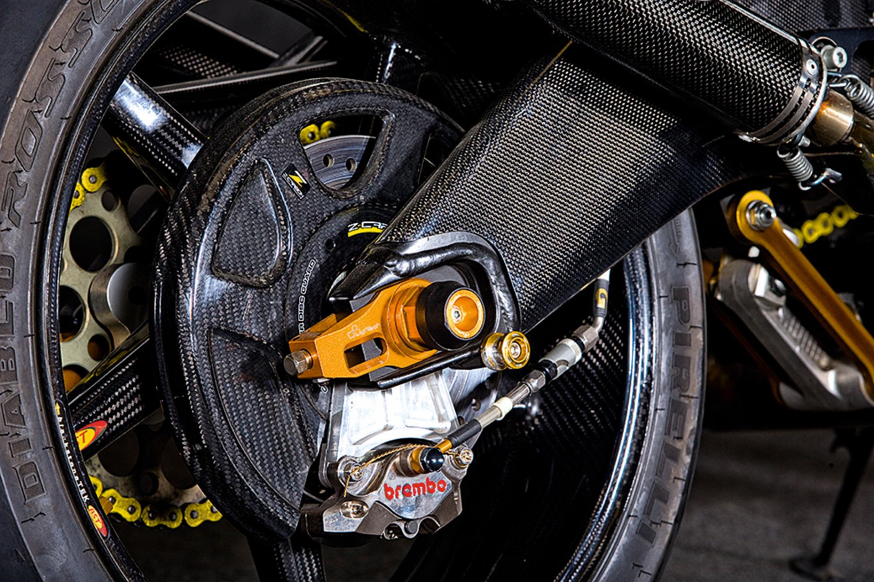 """Yamaha RD350 """"Crazy Carbon"""""""