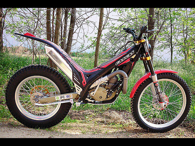 TXT Pro 300 Réplica Raga