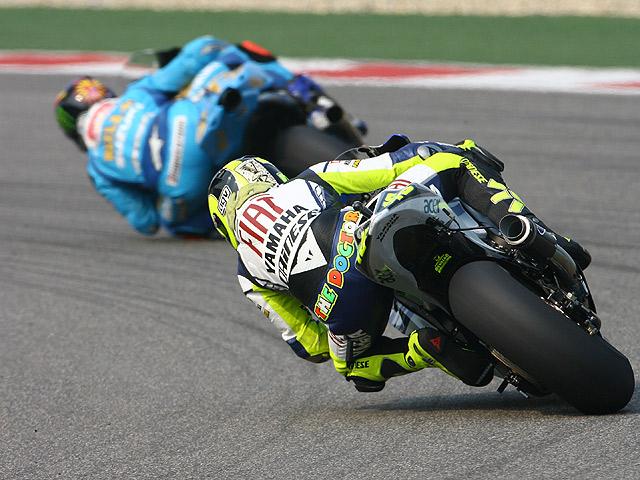 Bridgestone alecciona a Michelin