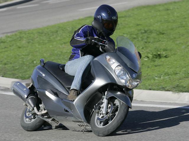 Nuevas promociones en Suzuki y Triumph