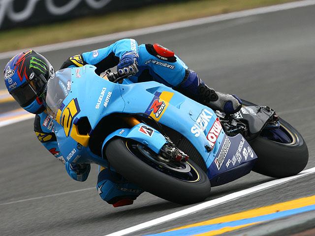 Hachazo de Stoner. Rossi 4º, Pedrosa 5º.