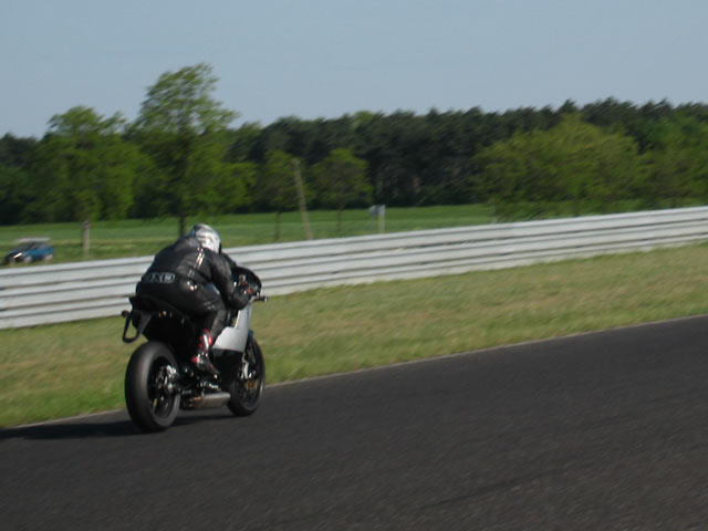 Anticipación: KTM RC4 690 y KTM SuperDuke III