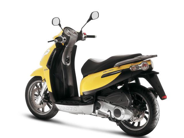 Piaggio rebaja el precio de sus scooters