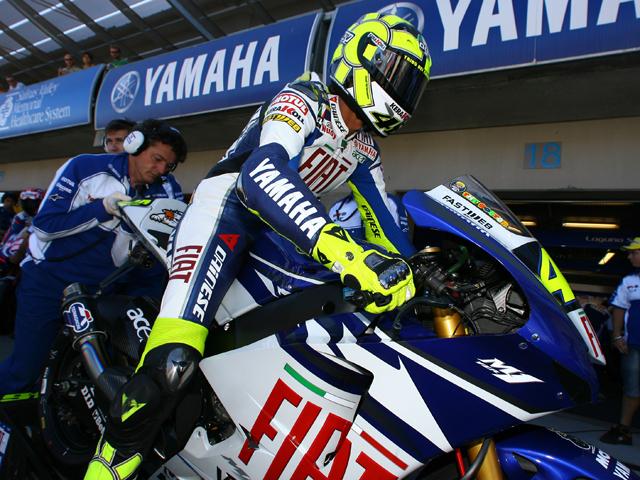 Rossi se defiende contra el fisco