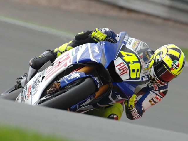 Rossi se justifica ante las cámaras