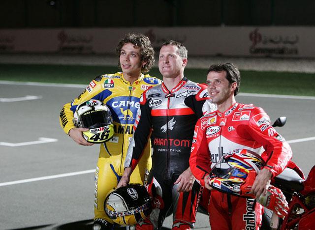 Cinco pilotos de MotoGP rodarán de noche en Qatar