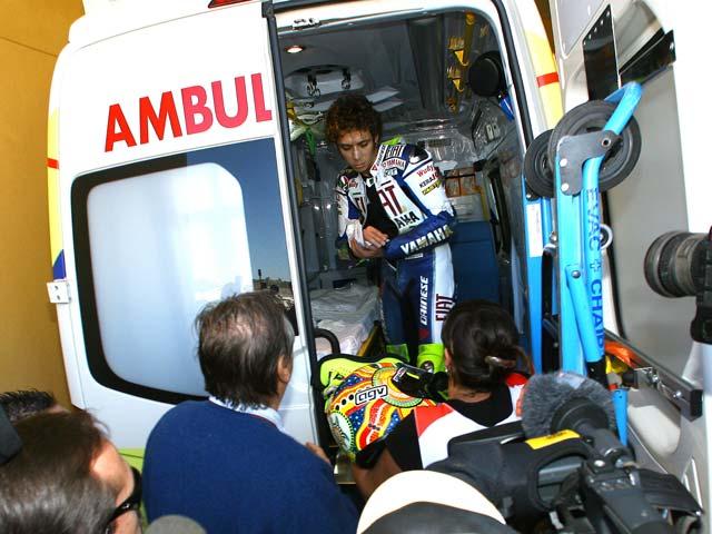 Cuarta pole consecutiva de Pedrosa y lesión de Rossi