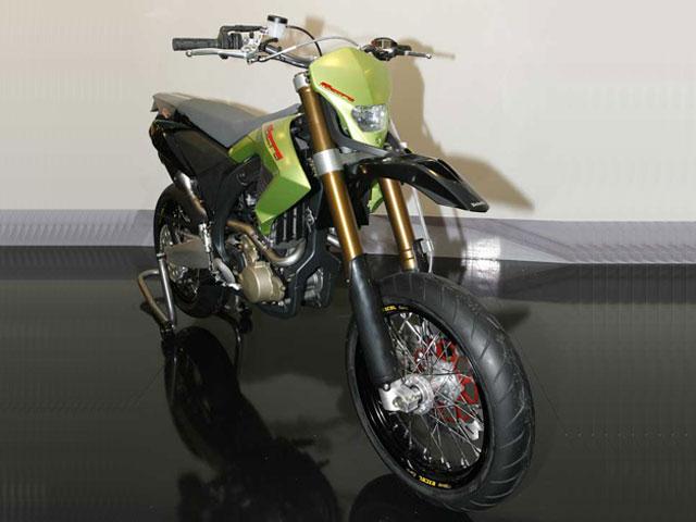 Novedades 2008: Benelli BX 570 Supermotard