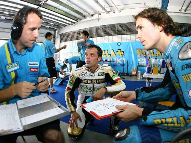El equipo Rizla Suzuki entrena en Australia