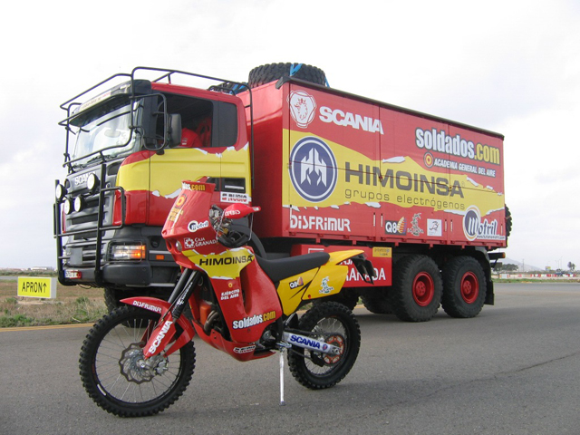 Equipo Combat Soldados para el Rallie Dakar
