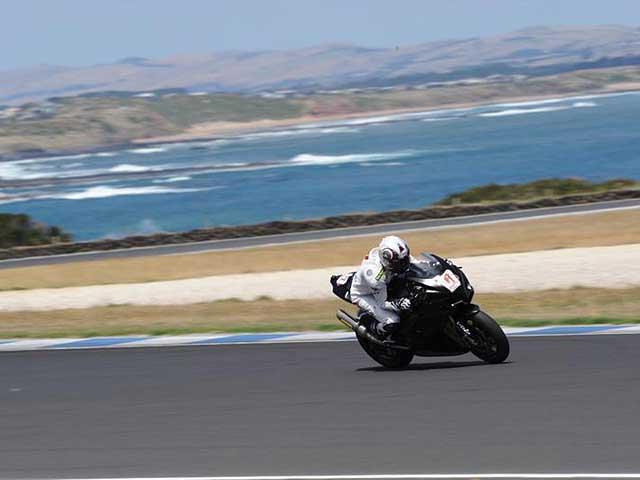 Biaggi bate el récord de vuelta rápida en Philip Island