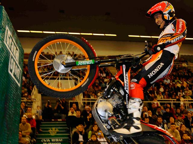 Accidentada victoria de Toni Bou (Montesa Honda)