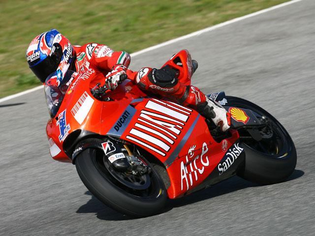 Stoner (Ducati) dice que los japoneses utilizan la politica para ganar
