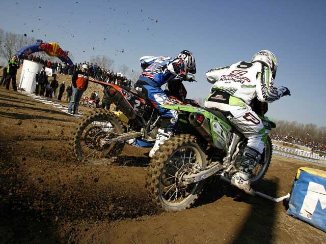Joshua Coppins vence en el MX Internacional de Valence