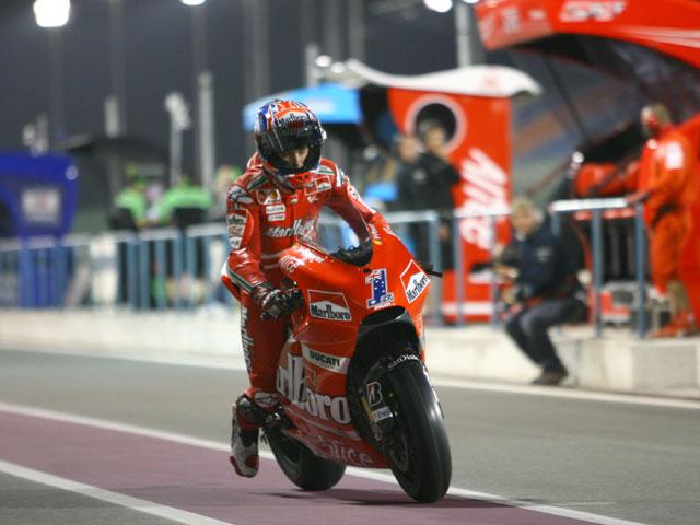 """Lorenzo (Yamaha): """"Debo poner los pies en el suelo"""" tras los test de MotoGP"""