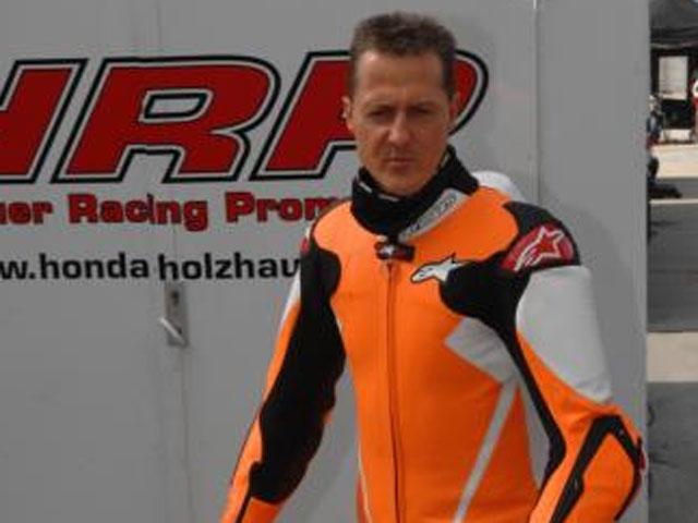 Podio de Michael Schumacher sobre dos ruedas