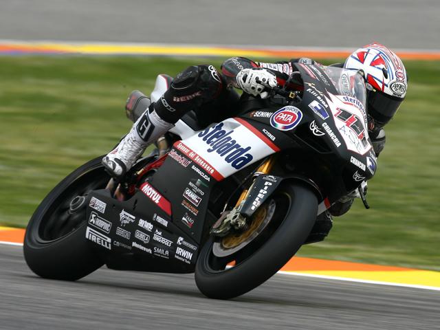 Neukirchner (Suzuki) logra la pole y Xaus (Ducati) saldrá en primera línea