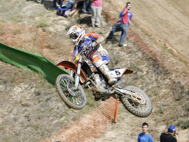 Allier se impone en la primera prueba del Mundial de MX3
