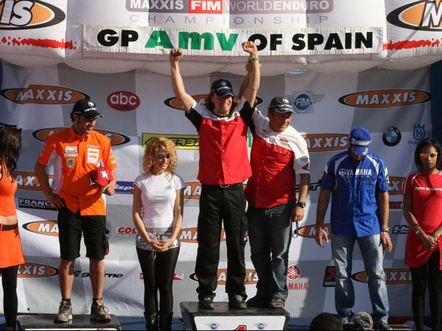 Mika Ahola gana terreno en la provisional de E1