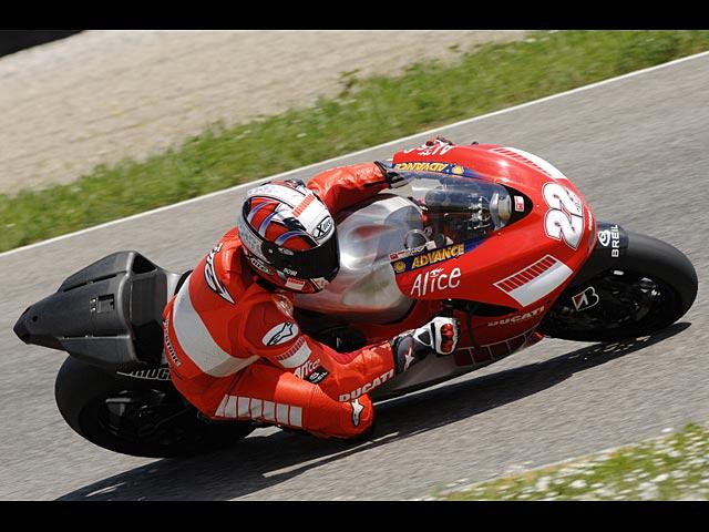 La MotoGP de 800c.c. no será más ágil que la 990c.c.