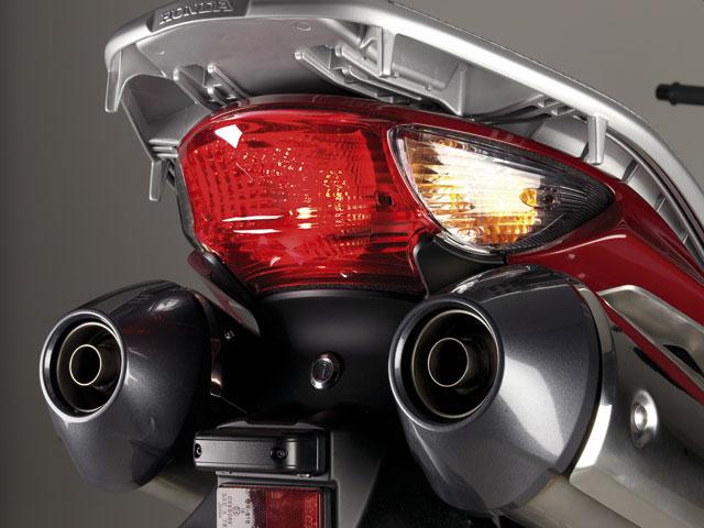 Mantenimiento moto: la luz de freno