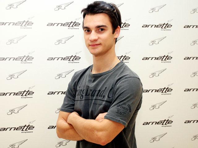 Dani Pedrosa (Honda) participa en una campaña de Arnette