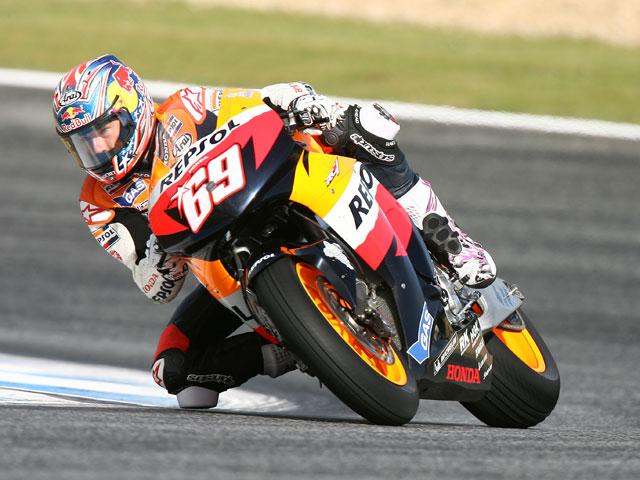 Imagen de Galeria de Edwards (Yamaha) al frente en los últimos libres de MotoGP