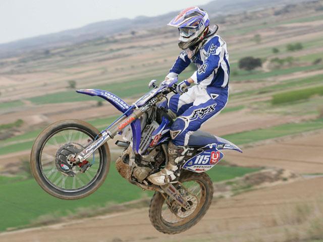 Pourcel (Kawasaki) toma las riendas en el Motocross de Bellpuig