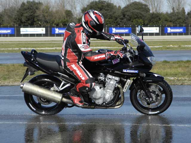 Mantenimiento moto: Neumático trasero