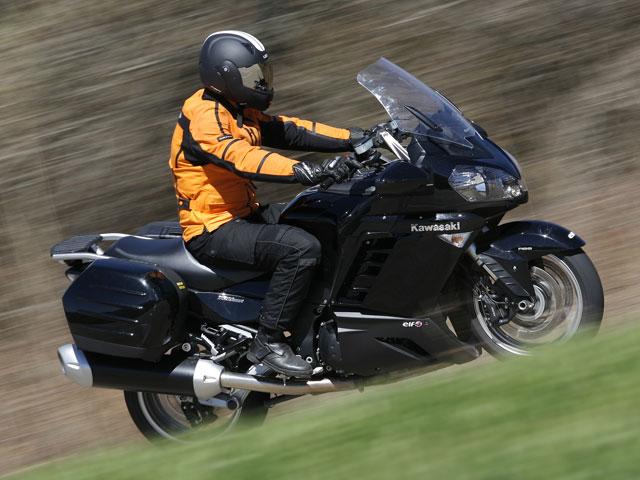 Una vuelta a la Península para reivindicar el uso de la moto