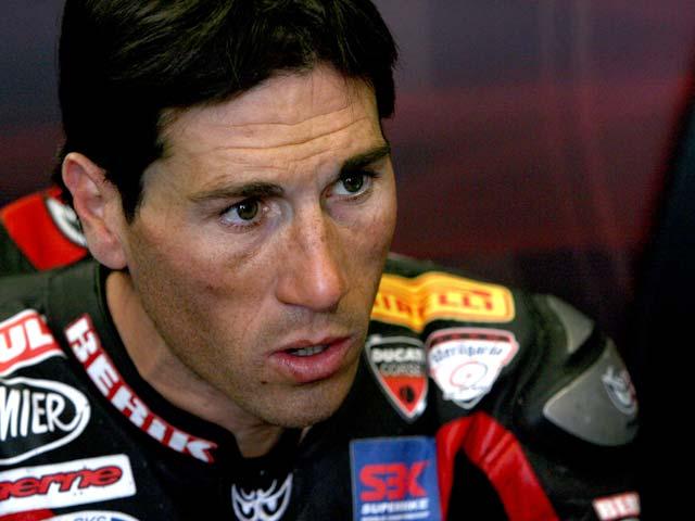 Bayliss (Ducati), por delante de Checa (Honda) y de Neukirchner (Suzuki)