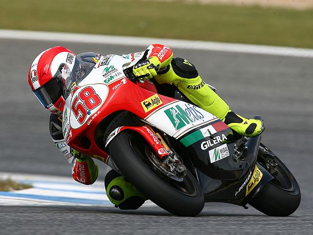 Rossi (Yamaha), Simoncelli (Gilera) y Terol (Aprilia) lideran los entrenamientos
