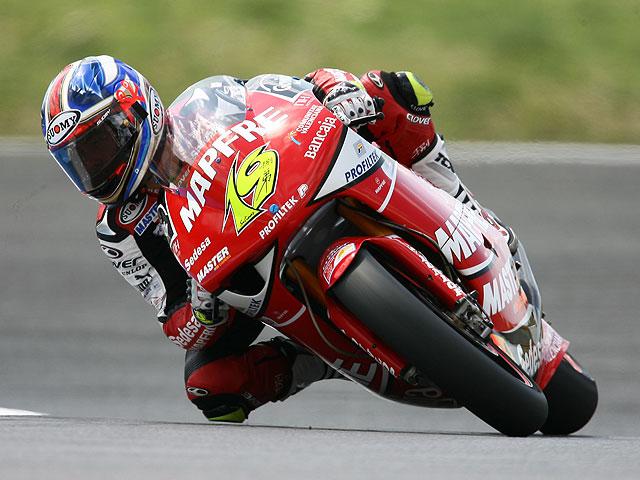Rossi (Yamaha), Bautista (Aprilia) y Smith (Aprilia) dominan los libres