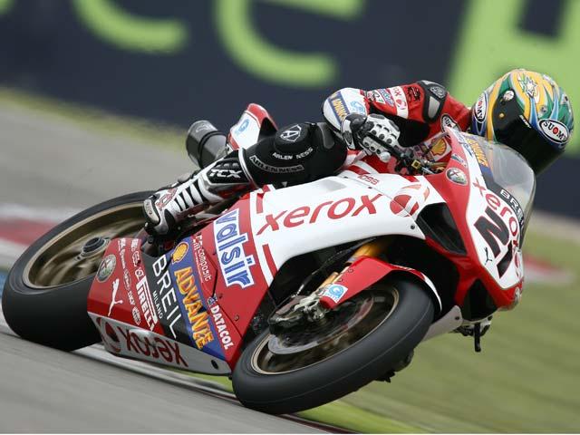 Primera victoria de Neukirchner (Suzuki) en SBK