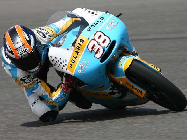 Sergio Gadea (Aprilia) golpea primero en Le Mans