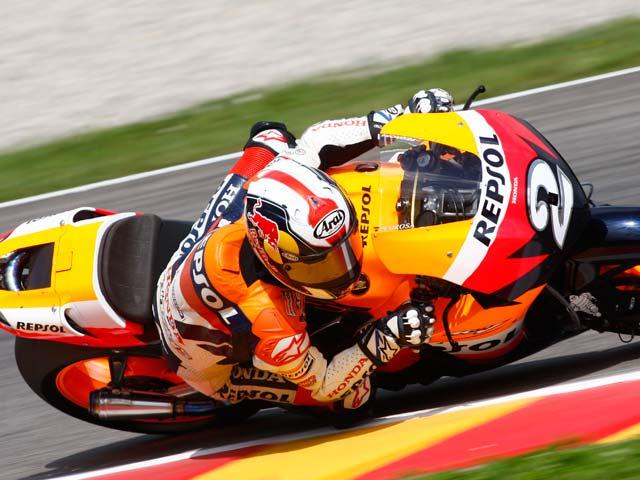 Imagen de Galeria de Valentino Rossi y Yamaha, contundente victoria en MotoGP. Pedrosa, tercero