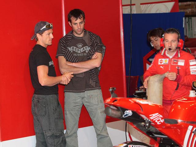 Imagen de Galeria de Sete Gibernau se sube a la Ducati Desmosedici GP9 de MotoGP