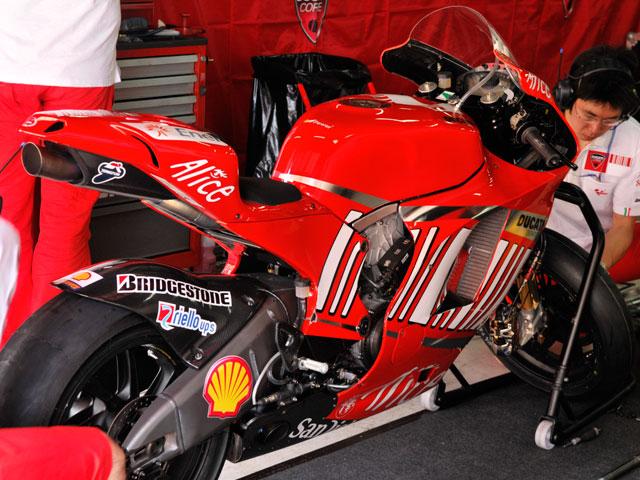 Sete Gibernau se sube a la Ducati Desmosedici GP9 de MotoGP