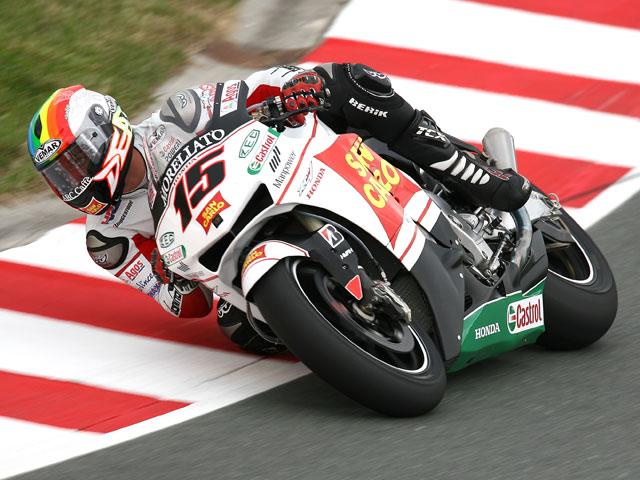 Casey Stoner (Ducati) barre Sachsenring