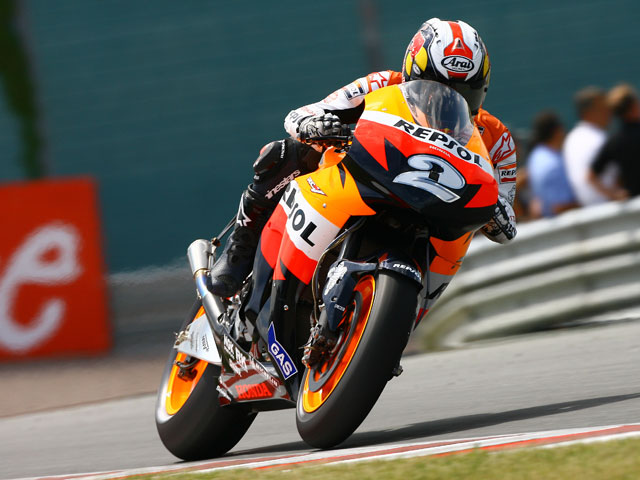 """Huracán"" Stoner (Ducati) arrasa en Sachsenring. Pedrosa (Honda), segundo"