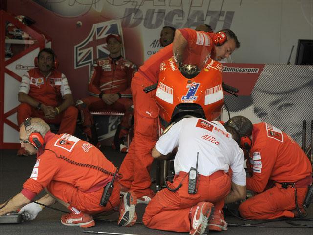 """Imagen de Galeria de Casey Stoner (Ducati): """"Estamos dándolo todo para recortar puntos en la general"""""""
