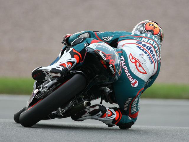 Mike Di Meglio (Derbi) muestra sus galones de líder en 125 cc