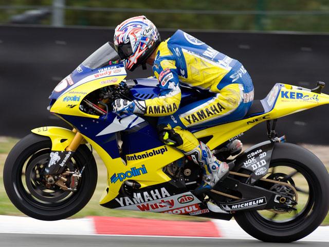 Colin Edwards, con Tech 3 Yamaha en 2009