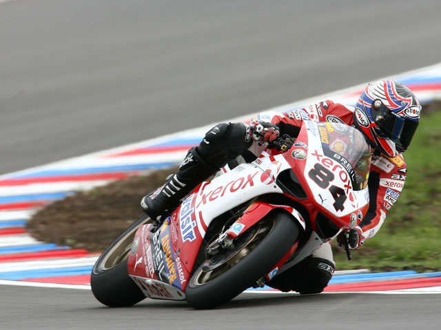 Troy Bayliss (Ducati) consigue la pole en Brno