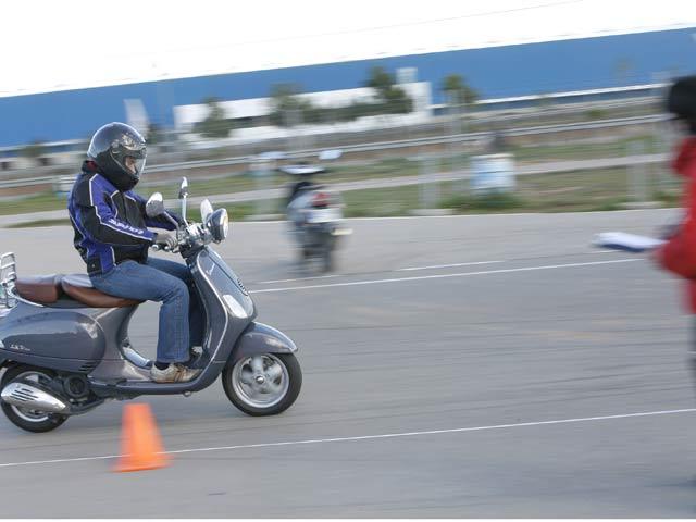 Imagen de Galeria de Colapso en las autoescuelas a un mes de que se cambie el examen de moto
