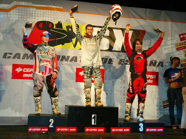 Tercera victoria de Manu Rivas en el Nacional de Supercross