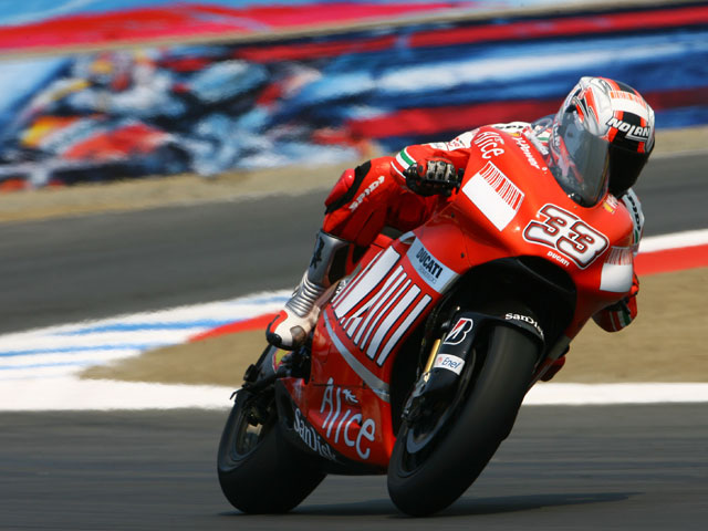Imagen de Galeria de Melandri seguirá siendo piloto Ducati en Brno