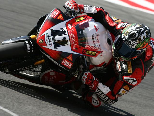 Kiyonari y Honda hacen doblete en Superbike. Nieto (Suzuki), de nuevo quinto